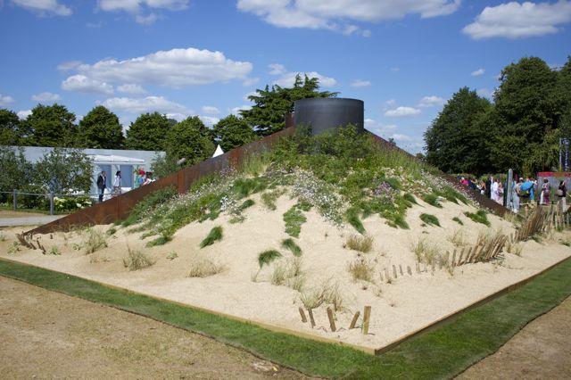 Hampton Court - Sand Dune Garden